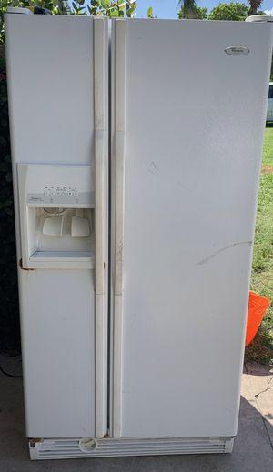 Whirlpool Refrigerator for Sale in Fort Pierce, FL