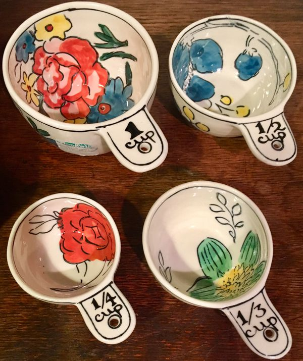 Anthropologie molly hatch floral painted measuring cups