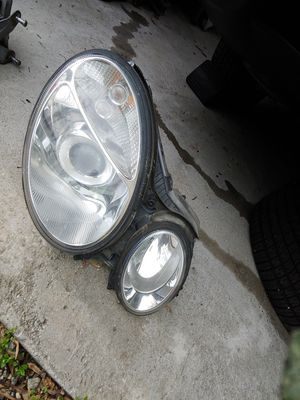 Mercedes E class headlight. for Sale in Conyers, GA