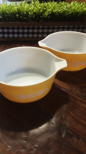 2 2.5 quart vintage Pyrex butterfly floral oven dishes for Sale in Arlington, WA