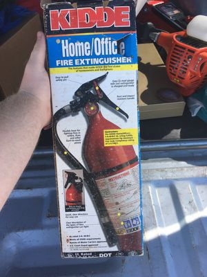 Brand new fire extinguisher with wall mount for Sale in Salt Lake City, UT
