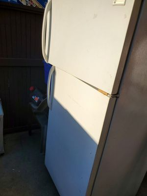 FREE - White Westinghouse free- Not working for Sale in Modesto, CA