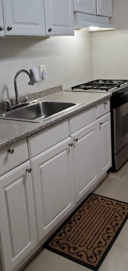 2 Rooms ÷ Laundry Rm for 1 or 2 People for Sale in Queens,  NY