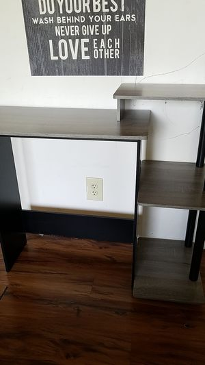 computer desk for Sale in Saint Charles, MO