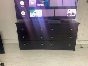 Black dresser 6 drawers for Sale in Kissimmee, FL