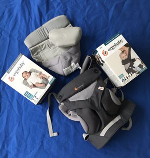 Ergo Baby Carrier 360 with Cool Air Mesh and infant insert for Sale in Miami, FL