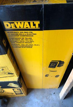 Dewalk heavy duty 225 max psi 15 gallon compressor for Sale in Irvine, CA