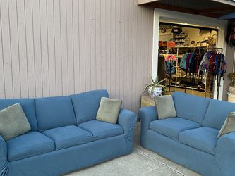 Nice Thomasville Sofa Set! Full Size Sleeper Sofa And Loveseat. Excellent Condition! for Sale in Hayward,  CA