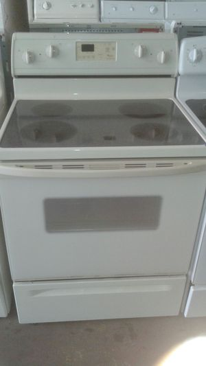 Whirlpool stove glass top for Sale in Tampa, FL