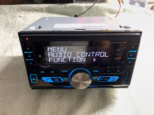 Kenwood double din digital media auto stereo for Sale in Vista, CA
