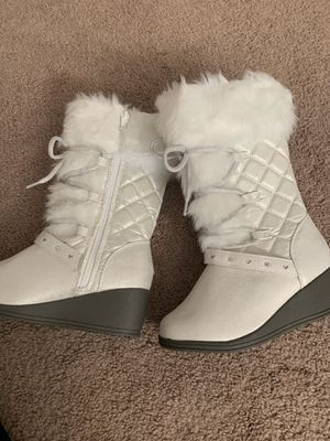 Girls boots. Sizes 1 and , 2 for Sale in Brook Park, OH