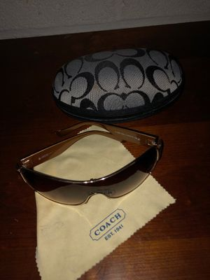 Coach sunglasses w coach case and dirt cloth for Sale in Rockville, MD