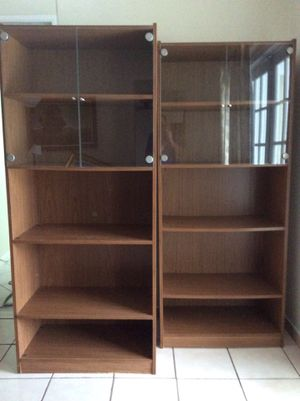 Bookshelves with TV stand for Sale in Miami, FL