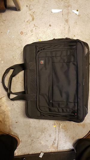 """17"""" victorinox wheeled briefcase computer laptop bag for Sale in Missouri City, TX"""