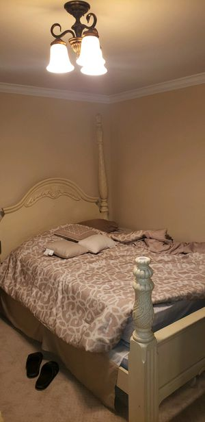 BED SET FRAME - QUEEN for Sale in Shelby Charter Township, MI