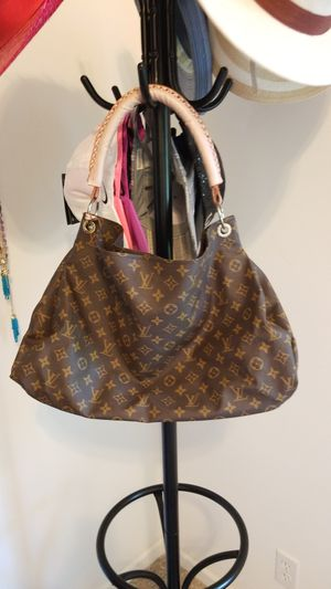 LARGE FASHION TOTE for Sale in Port St. Lucie, FL