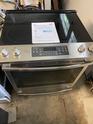LG electric stove for Sale in Manassas, VA