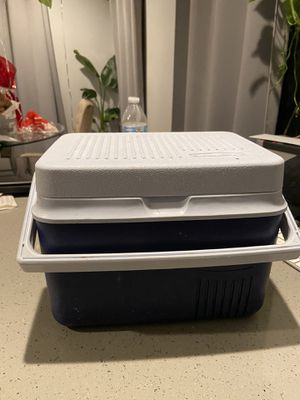 Small lunch cooler for Sale in Los Angeles, CA