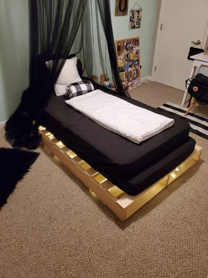 Twin pallet bed for Sale in Denver, CO
