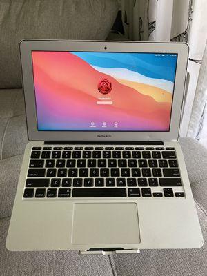 """2014 MacBook Air 11"""" Intel Core i5 128GB SSD 4GB RAM macOS 16 Big Sur Beta for Sale in Plantation, FL"""