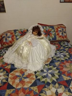 ANTIQUE GIRL DOLL COLLECTABLE for Sale in St. Louis, MO