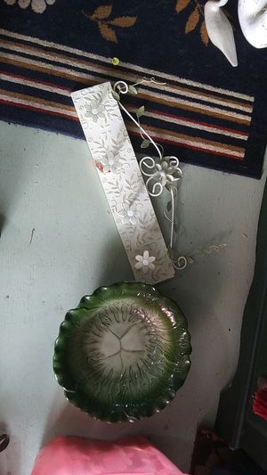 Wall hanging and large cabbage bowl collectors for Sale in Victoria, TX