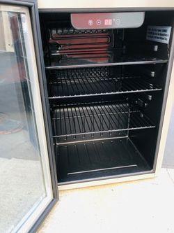 Frigidaire 2.6 Cubic Ft Mini Refrigerator for Sale in Pasadena,  CA
