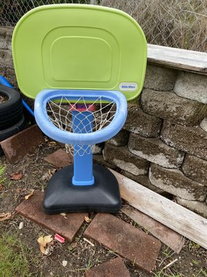 Free toddler basketball hoop for Sale in Entiat, WA