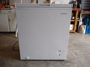 New Insignia 5 CF chest freezer for Sale in Montesano, WA