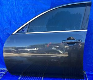 2009-2015 INFINTI G37 G25 Q40 FRONT DRIVER LEFT SIDE DOOR for Sale in Fort Lauderdale, FL