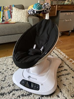 4moms mamaRoo 4 baby swing for Sale in Chicago, IL