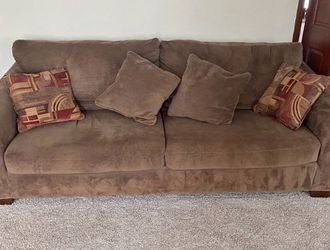 Large Brown Microfiber Loveseat Cleaned And Sanitized for Sale in Pickerington,  OH