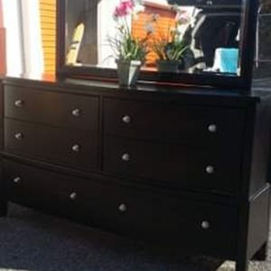 QUALITY SOLID WOOD BIG DRESSER WITH BIG MIRROR GREAT CONDITION for Sale in Fairfax, VA