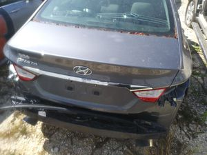 2013 hyunday sonata for parts for Sale in Miami, FL
