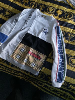 burberry sweater for Sale in Henderson, NV