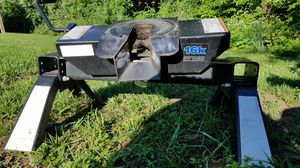 Reese 16k fifth wheel hitch. for Sale in Berkeley Springs, WV