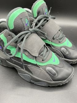 Nike Speed Turf PS Size 5.5 / 535735/ 535735-053 Oregon Used Ones for Sale in Peoria,  IL