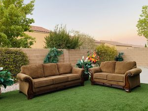 BEAUTIFUL LIVING ROOM SET- FAIRFAX 96 ROLLED ARM SOFA & LOVESEAT-ASHLEY FURNITURE ( FREE DELIVERY 🚚 FIRM PRICE $680 ) GREAT CONDITION/CLEAN 👌🏻🥰 for Sale in Las Vegas, NV