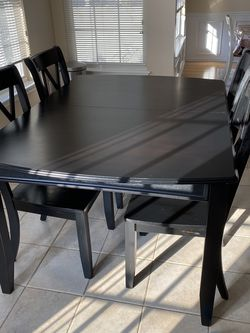Dining Room Table for Sale in Mount Laurel Township,  NJ
