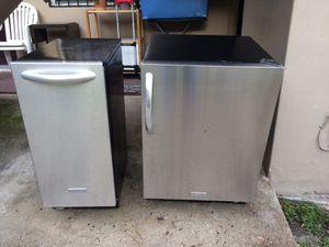 KitchenAid Ice Maker and Refrigerator for Sale in Miami, FL