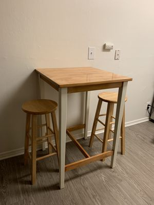 like new kitchen table with stools for Sale in Benicia, CA