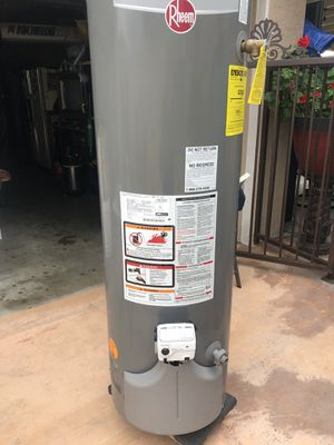 Water heater 38 gallons for Sale in Downey, CA