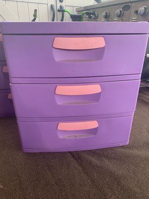 2 sterlite hard plastic drawer for Sale in Palatine, IL