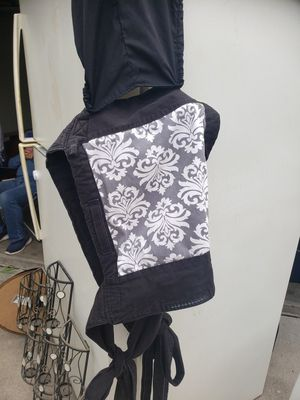 Baby carrier / baby wrap for Sale in Murrieta, CA