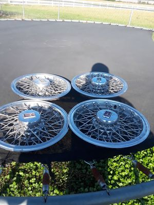 "14""oldsmobile hubcaps for Sale in Lincoln, AL"