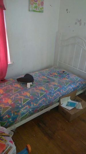 Twin size bed for Sale in Detroit, MI