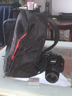 Canon Rebel T3i w/18-55mm lens, camera bag & 2 batteries for Sale in Silver Spring, MD