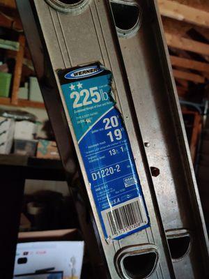 Werner Extension Ladder (225lb) for Sale in Monroe, MI