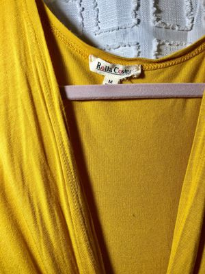 Yellow Woman dress beautiful M size for Sale in Manteca, CA