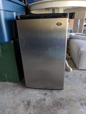 Sanyo refrigerator/ freezer for bar or outside grill. for Sale in Lake Worth, FL